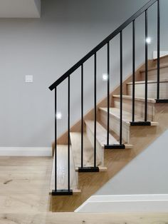 The new picket trends are so amazing! Out with old and in with the new. Look how they attached the pickets to the wood.. LOVE! #inspiration #stairs #greenbasementsandremodeling #blackandwhite #Atlantaconstruction
