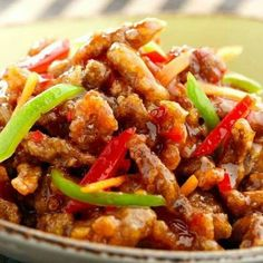 Shredded Chicken In Sweet Chilly Sauce Slimming World Crispy Shredded Chicken Made this loads of times! It's deeeeeelicious! :)Slimming World Crispy Shredded Chicken Made this loads of times! It's deeeeeelicious! Asian Recipes, Yummy Recipes, Cooking Recipes, Healthy Recipes, Recipies, Healthy Chinese Recipes, Dinner Recipes, Tasty Chicken Recipes, Quorn Recipes