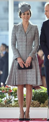 21 Oct 2014 - Alexander McQueen Prince of Wales plaid coat. Click to read full outfit details.