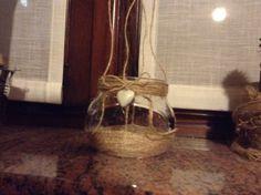 lanterna shabby creata con barattolo in vetro e spago in juta.
