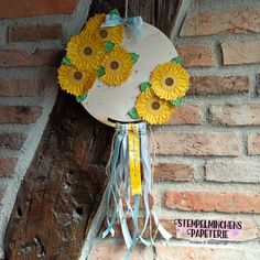 Gute-Laune-Gruss - Celebrate Sunflowers - Stampin' Up! Up, Crochet Hats, Christmas Ornaments, Holiday Decor, Paper Mill, Good Mood, Florals, Cards, Decorations