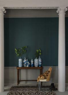 """""""Inchyra Blue"""" von Farrow & Ball wirkt je nach Licht grauer, blauer oder sogar grünlich. (Foto: Farrow & Ball)"""