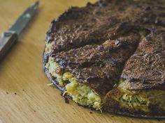 KUGELIS CZYLI LITEWSKA BABKA ZIEMNIACZANA.Dzisiaj coś dla miłośników ziemniaków i kuchni kresowej – wegetariańska wersja zapiekanki ziemniaczanej popularnej na Żmudzi.
