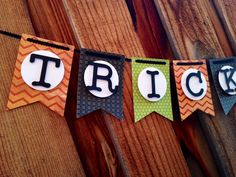 Trick or Treat Halloween banner! This is a super cute Halloween banner! The banner is made of card stock with letters that are popped off Spooky Halloween, Halloween Banner, Halloween Birthday, Holidays Halloween, Halloween Treats, Happy Halloween, Halloween Decorations, Holiday Crafts, Holiday Fun