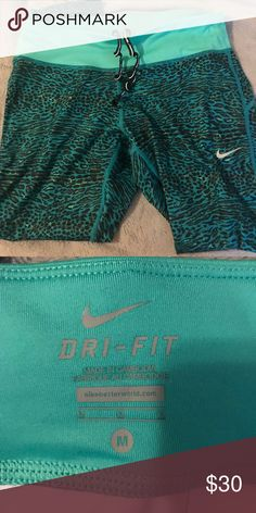 Nike Dry Fit Capris Lightly worn, no pilling. Nike Pants Capris