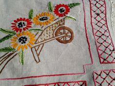 Linen Wheelbarrow Runner Vintage 50's Beige by SophieLadyDeParis