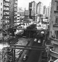 Década de 70 - Avenida General Olímpio da Silveira e a construção do Elevado Costa e Silva (minhocão).