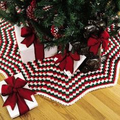 Happy Holidays Tree Skirt - free crochet pattern on Mooglyblog.com ...