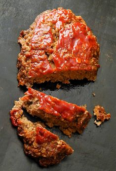 Classic Quaker Oats Meatloaf: This really is an old-school classic meatloaf. Just plain cookin' & hardly anything to the making it of it at all. It's one of those recipes that really makes you appreci Meatloaf Recipe Oats, Quaker Oats Meatloaf, Meatloaf With Oats, Healthy Meatloaf, Classic Meatloaf Recipe, Best Meatloaf, Meatloaf Recipes, Meat Recipes, Healthy Recipes