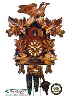 Kuckucksuhr aus dem Schwarzwald mit Echtheitszertifikat. Holzschnitzerei-Uhr mit 1-Tages-Uhrwerk von der Kuckucksuhren-Manufaktur August Schwer