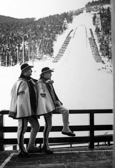 Highlanders from Zakopane watching ski jumpers training Old Photography, Highlanders, My Heritage, Poland, Skiing, Hipster, Jumpers, Vintage, Burberry