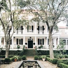 House dream exterior luxury architecture for 2019 Decor Scandinavian, House Ideas, Cute House, Dream House Exterior, Southern Homes, Southern Living, Country Homes, White Houses, House Goals