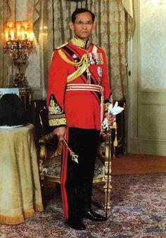 รวมภาพในหลวง ภูมิพล ภาพรัชกาลที่ 9 ภาพพระราชินี สมเด็จพระเทพ สมเด็จพระบรม ดาวน์โหลดฟรี ภาพในหลวงหายาก king of Thalland photos gallery king bhumibol photography & images