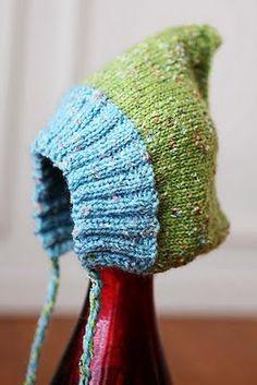 The Knitting needle: Oppskrift - Alva babylue - Alva baby elf hat