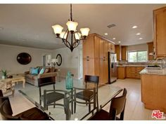Sold  3034 N Cerritos Rd, Palm Springs #PalmSprings Open plan living and dining  tracymerrigan.com