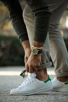 White, gold and shades of green. Clean colours. Sneakers and watch on point.