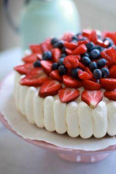 swedish strawberry cake from www. Swedish Dishes, Swedish Recipes, Food Cakes, Cupcake Cakes, Cupcakes, Scandinavian Food, Summer Cakes, Something Sweet, Pavlova