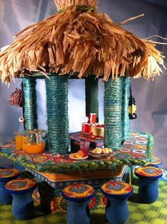 M-C's Friendship Corner: It's Time for a (miniature) Tiki Hut - close up of the bar