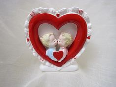 1965 SAMS0N RELPO VALENTINE PLANTER -KISSING COUPLE HOLDING HEART-6 inches (02/10/2016)