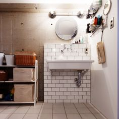 marshさんの、IKEA,実験用シンク,タイル,裸電球,コンクリート打ちっ放し,バス/トイレ,のお部屋写真