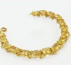Pulseira- Citrino 16 Pedras - ID:0980 Pulseira de Citrino natural lapidado, com acabamento banhado a ouro. A Venda na loja ou pelo site.