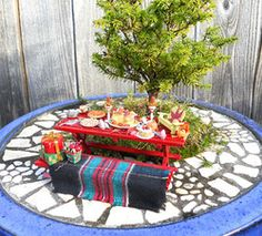a-mini-a-day:  How to make a miniature garden via HGTV.