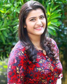 Beautiful Women Over 40, Beautiful Girl Indian, Most Beautiful Indian Actress, Beautiful Smile, Cute Beauty, Beauty Full Girl, Beauty Women, Beautiful Bollywood Actress, Beautiful Actresses