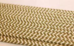 12 paperipilliä, kultavalkoinen sahalaitakuvio