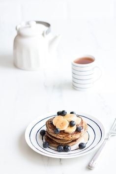 Yummy, gluten-free, high-protein, healthy and low-calorie! https://www.spotebi.com/recipes/blueberry-banana-pancakes/