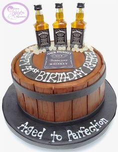 Torta cumpleaños Jack Daniels Envigado, Antioquia 80th Birthday Cake For Men, 35th Birthday, Jack Daniels Cake, Beer Mug Cake, Cup Decorating, Alcohol Gifts, Happy Birthday Wishes, Amazing Cakes, Eat Cake