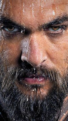 Jason Momoa - Man & his beard ✔ - Celebridades Jason Momoa Aquaman, Khal Drogo, Hommes Sexy, Beard Styles, Bearded Men, Belle Photo, Gorgeous Men, Movie Stars, Sexy Men
