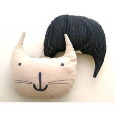 Cojin gato en lino bordado by #petittandem.com Disponible en negro y en beige