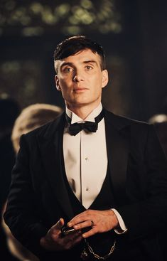 Cillian Murphy in the british crime drama television series Peaky Blinders. Odds have been slashed on Cillian Murphy becoming the next James Bond. Whats your opinion about this? Peaky Blinders Poster, Peaky Blinders Wallpaper, Peaky Blinders Series, Peaky Blinders Quotes, Peaky Blinders Tommy Shelby, Peaky Blinders Thomas, Cillian Murphy Peaky Blinders, Cillian Murphy Tommy Shelby, Peaky Blinders Merchandise