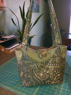 upholstery fabric purse artists | Purse I made with upholstery fabric.