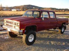 Chevy Metal, Chevy 4x4, C10 Chevy Truck, Ford Pickup Trucks, Gm Trucks, Chevrolet Trucks, Lifted Trucks, Rc Drift Cars, Heavy Machinery