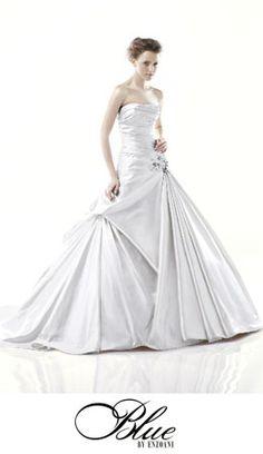 Bluebyenzoani Blush Bridal Boutique Victoria BC