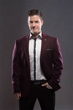 Simon Casey Is A Wedding Singer That Offers The Corporate Bands And In Ireland