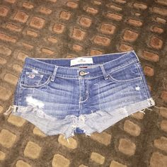 Hollister shorts sz 5 Hollister shorts sz 5 Hollister Shorts Jean Shorts