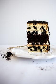 Cookies and Cream Crumb Cake