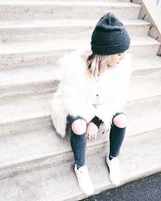 style - white faux fur coat day & my new wooly hat