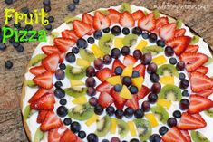 Fruit Pizza with THEE best graham cracker cake mix crust! Fruit Recipes, Desert Recipes, Appetizer Recipes, Cooking Recipes, Healthy Recipes, Appetizers, Healthy Foods, All You Need Is, Sugar Cookie Pizza