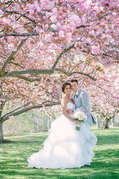 Amazing 90+ Romantic Cherry Blossom Wedding Ideas https://weddmagz.com/90-romantic-cherry-blossom-wedding-ideas/