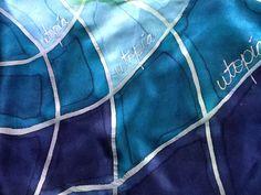 Bufanda de seda pintada a mano de la serie Utopía, por Patricia Bueso, Santa Rosa de Copan, Honduras