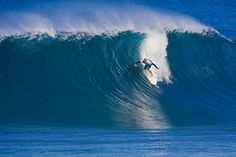 Surf news and reports for surfing & contests around the world. weather forecasting and surfing related information Kelly Slater, Learn To Surf, Surf City, World Cities, Water Waves, Surfs Up, Ocean Beach, Beach Pictures, Surfboard