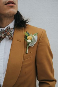 Inspired Groom Details with an Orange Tux // Image by The Tinsley Co. Groom And Groomsmen Attire, Groom Outfit, Groom Suits, Groom Tux, Wedding Tux, Wedding Attire, Boho Wedding, Wedding Flowers, Dream Wedding