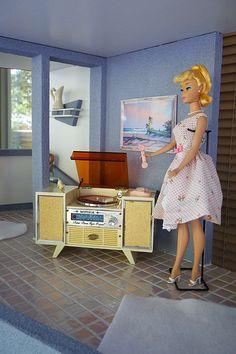 Mod Barbie's House Barbie 90s, Vintage Barbie Dolls, Barbie World, Barbie And Ken, Barbie Clothes, Barbie Dream, Barbie Doll House, Dreamhouse Barbie, Barbie Diorama