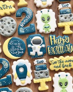 Two the moon birthday party decoration ideas. I just love these space cookies. 2nd Birthday Party Themes, Second Birthday Ideas, Baby Boy Birthday, Boy Birthday Parties, Toddler Birthday Themes, Moon Cookies, Fiestas Party, Moon Party, Birthday Cookies