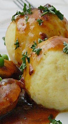 Dr Ola's kitchen: German Potato dumplings. Kartoffelklöße. كرات البطاطس الألمانية Potato Rice, Potato Dishes, Food Dishes, Schnitzel, German Potato Recipes, German Recipes Dinner, German Food Recipes, Cooking Recipes, Potato Dumplings German