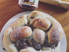 Nutellás kalács Pretzel Bites, Hot Dog Buns, Nutella, Hamburger, Bakery, Food And Drink, Bread, Sweet, Recipes