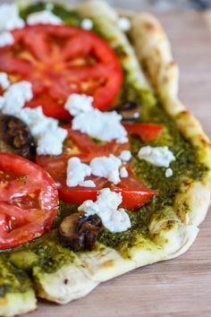 Grilled Pesto and Goat Cheese Pizza